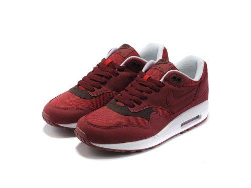 Бордовые кроссовки Nike