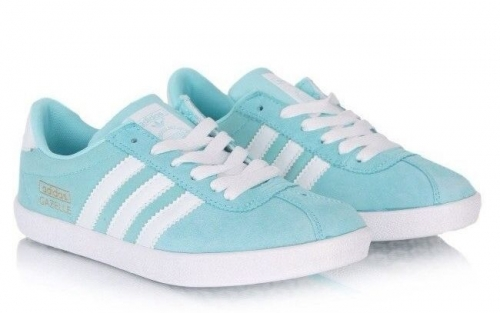 adidas-gazelle-womens-light-blue