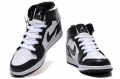 air-jordan-1-retro-blackwhite-1