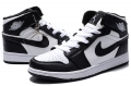 air-jordan-1-retro-blackwhite-2