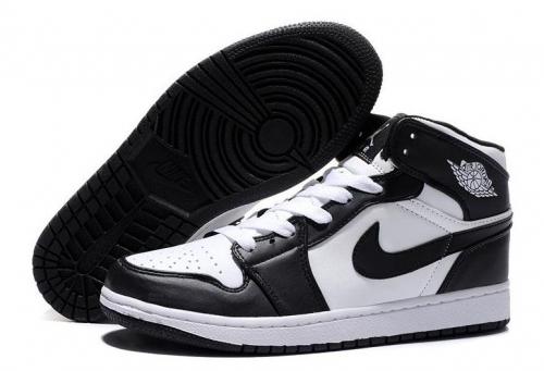air-jordan-1-retro-blackwhite