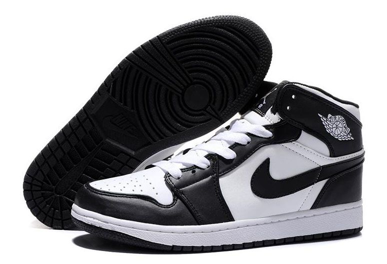air-jordan-1-retro-blackwhite