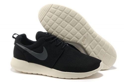 nike-roshe-run-blacksilverwhite