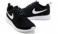 nike-roshe-run-blackwhite-3