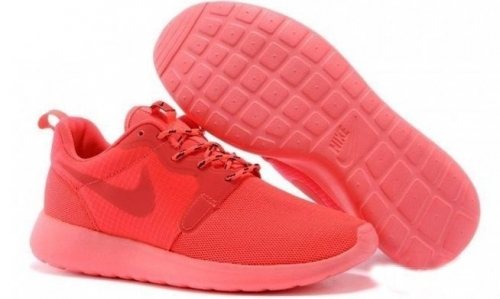 nike-roshe-run-hyperfuse-qs-pink