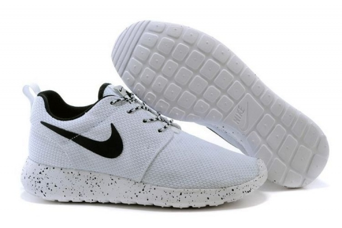 nike-roshe-run-whiteblack