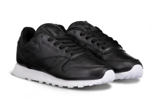 Черно-белые кроссовки Reebok