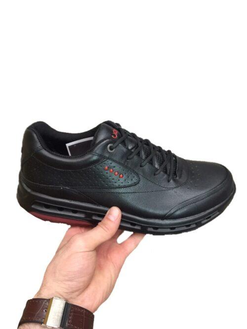 Классические черные кроссовки